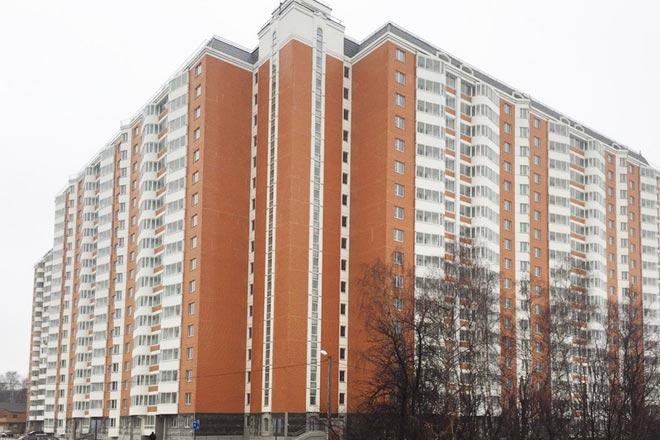 Дом с 75 квартирами для переселенцев из ветхого жилья построили в Балашихе